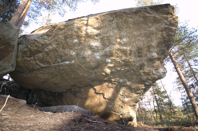 Stora stenen (M)